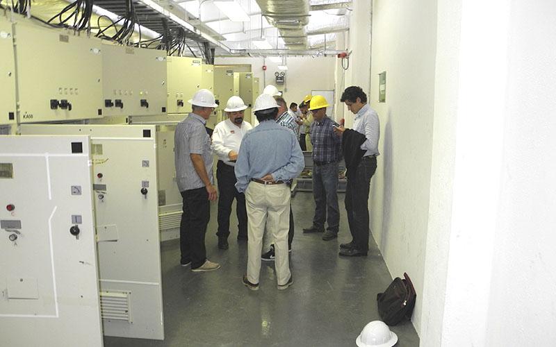 Schaltanlage (Abstimmung mit Energieversorger, Behörden)